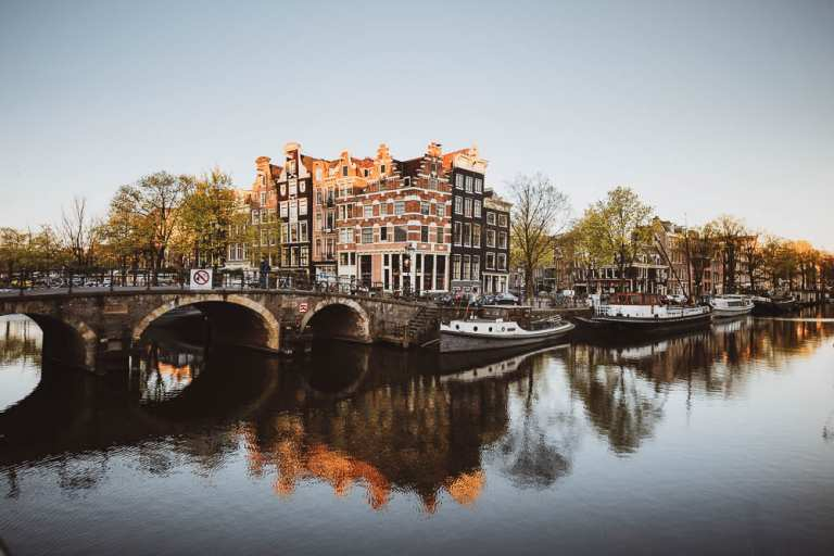 The 10 best photo locations in Amsterdam Cafe Papeneiland